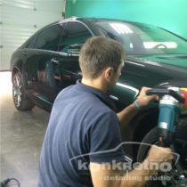 Процесс полировки Mercedes Benz