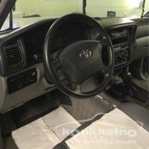 Глубокая химчистка салона Toyota
